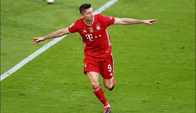 Lewandowski lập hat-trick, Bayern vô địch Bundesliga lần thứ 9 liên tiếp - 1