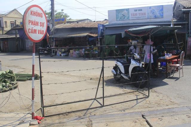 Quảng Trị dựng rào thép gai phong tỏa hơn 350 hộ dân - 2