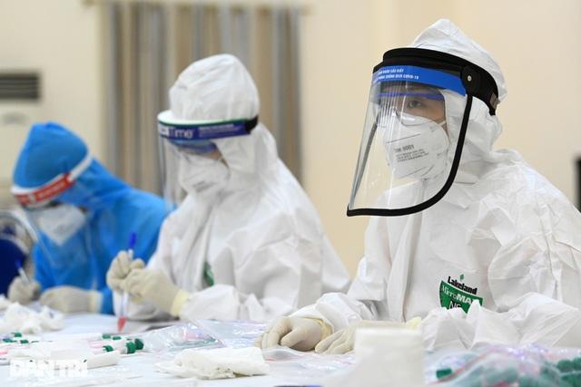 Hà Nội: Thêm 3 người cùng gia đình dương tính SARS-CoV-2 - 1