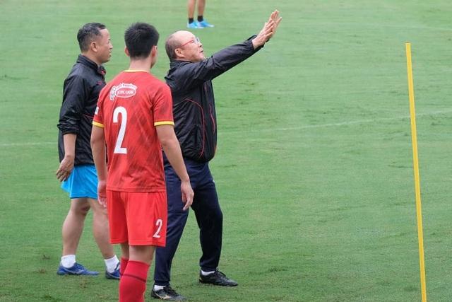 HLV Park Hang Seo nổi giận với Công Phượng - 4