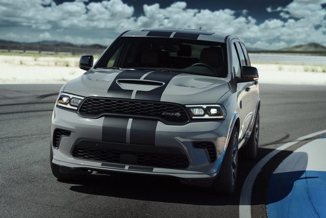 Những mẫu SUV máy xăng chạy nhanh nhất hiện nay (P.2) - 10