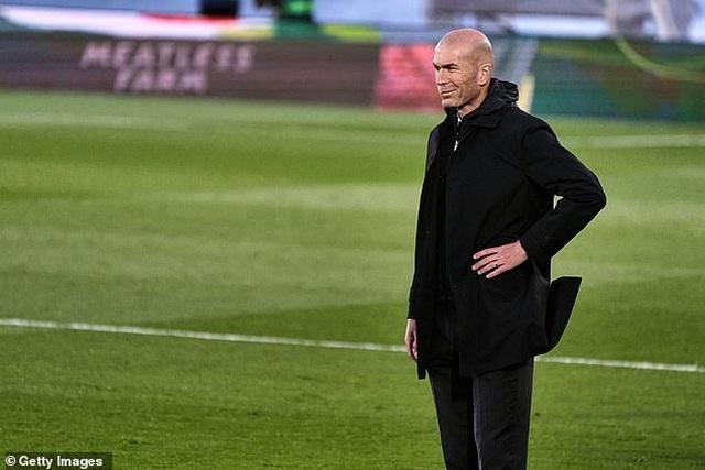 Hòa nghẹt thở Sevilla, Real Madrid lỡ cơ hội soán ngôi Atletico - 1
