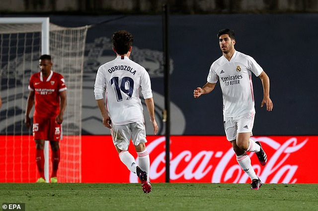 Hòa nghẹt thở Sevilla, Real Madrid lỡ cơ hội soán ngôi Atletico - 3