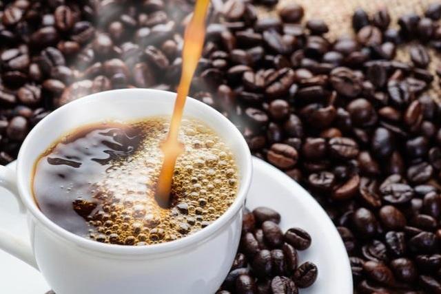 Vì sao uống cà phê khiến bạn tỉnh táo? - 1