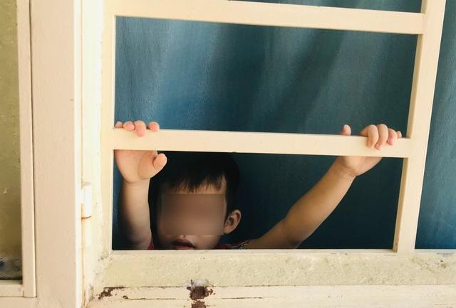 Đứa trẻ bị nhốt trong nhà và bi kịch thời Covid - 1