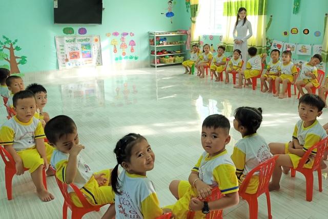 Cà Mau: Sẽ cho học sinh ngừng đến trường, chuyển học trực tuyến - 1