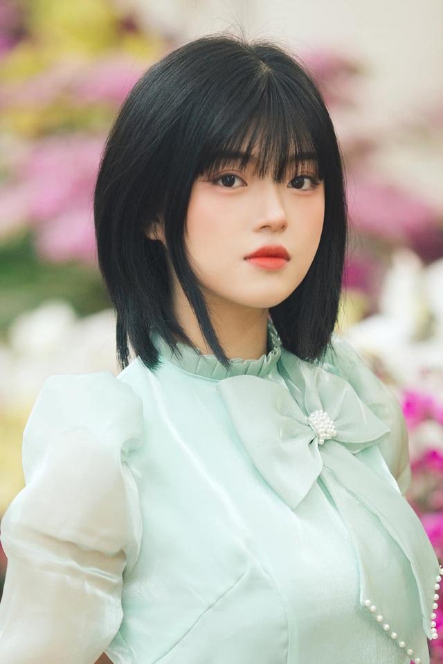 Hot girl ảnh thẻ dân tộc Giáy ngày càng xinh đẹp sau một năm nổi tiếng - 1