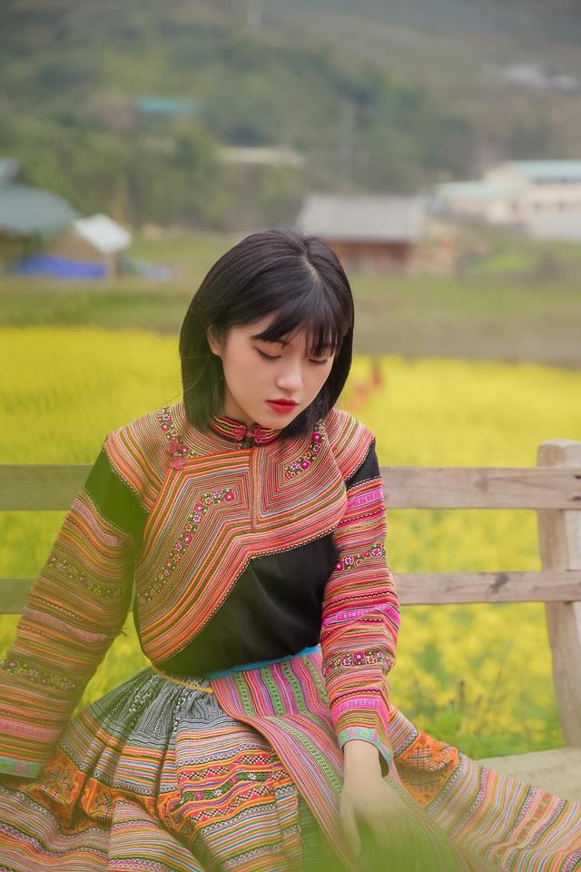 Hot girl ảnh thẻ dân tộc Giáy ngày càng xinh đẹp sau một năm nổi tiếng - 10