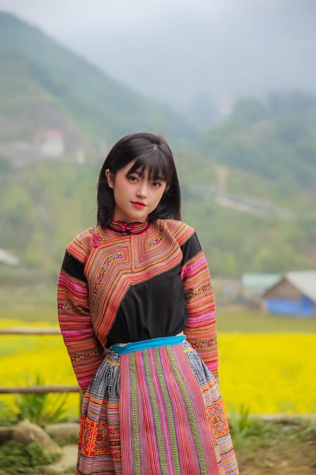 Hot girl ảnh thẻ dân tộc Giáy ngày càng xinh đẹp sau một năm nổi tiếng - 11
