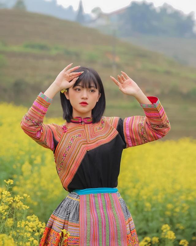 Hot girl ảnh thẻ dân tộc Giáy ngày càng xinh đẹp sau một năm nổi tiếng - 8