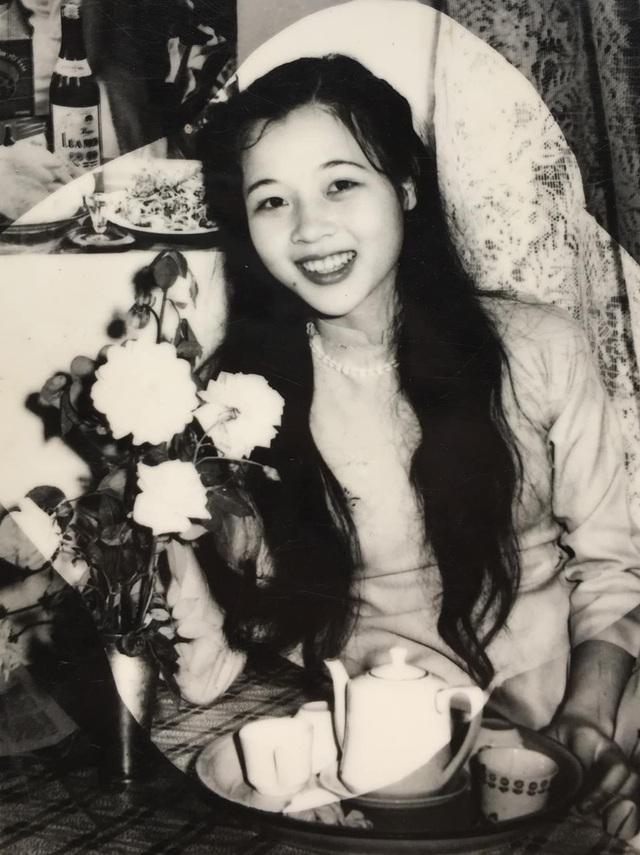 Lương Thùy Linh khoe nhan sắc của mẹ thời trẻ đẹp như Hoa hậu - 1