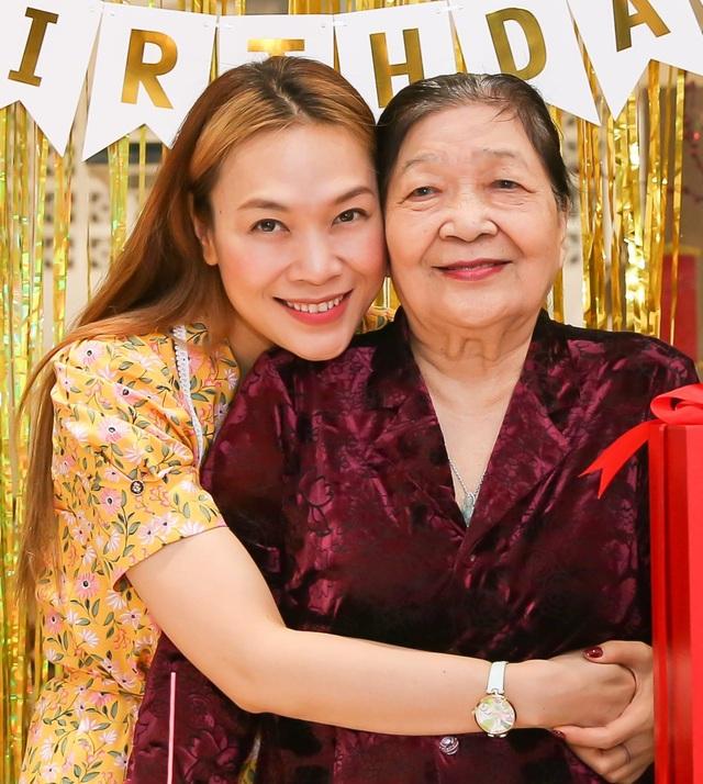 Lương Thùy Linh khoe nhan sắc của mẹ thời trẻ đẹp như Hoa hậu - 6