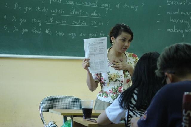 Nữ giảng viên khuyết tật trở thành thủ lĩnh của sinh viên đất Cảng - 1