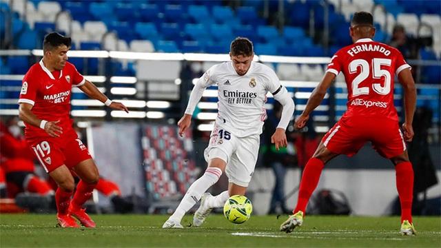 Hòa nghẹt thở Sevilla, Real Madrid lỡ cơ hội soán ngôi Atletico - 2