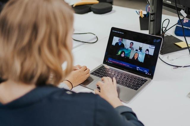 Sinh viên học trực tuyến thời Covid-19: Cái khó ló cái khôn - 2