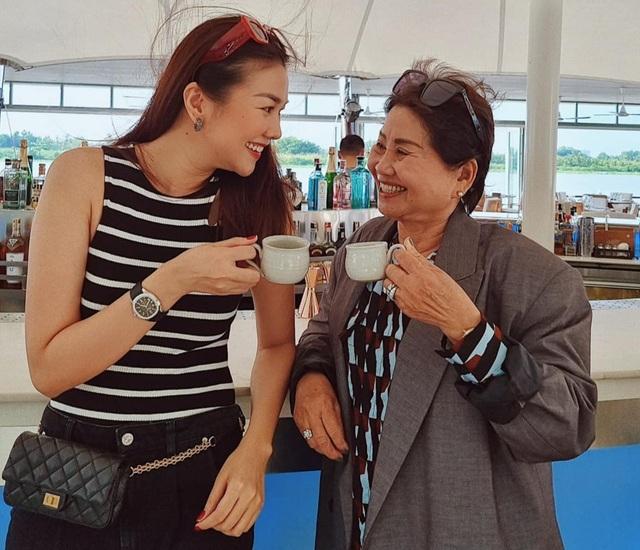 Lương Thùy Linh khoe nhan sắc của mẹ thời trẻ đẹp như Hoa hậu - 7