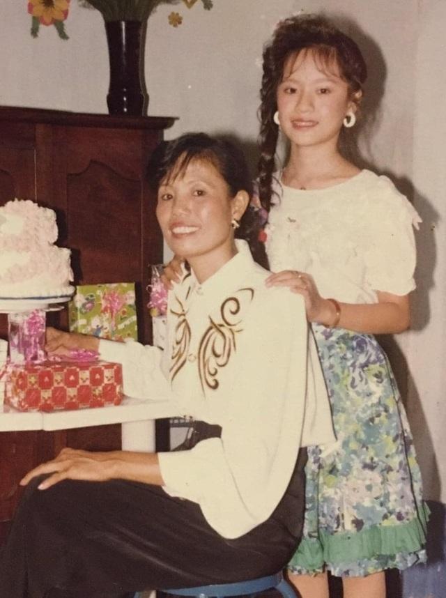 Lương Thùy Linh khoe nhan sắc của mẹ thời trẻ đẹp như Hoa hậu - 5