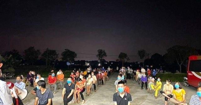 Bắc Ninh: Hàng trăm học sinh, giáo viên phải đi cách ly vì 2 ca dương tính - 2
