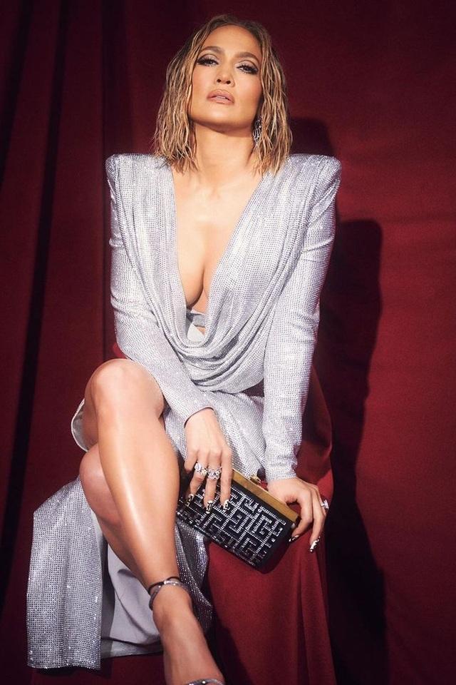 Alex Rodriguez nghĩ gì khi thấy Jennifer Lopez tái ngộ Ben Affleck? - 8
