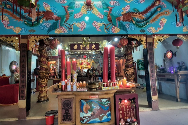 A unique temple to worship Mrs. Hoa in the heart of Soc Trang city - 2