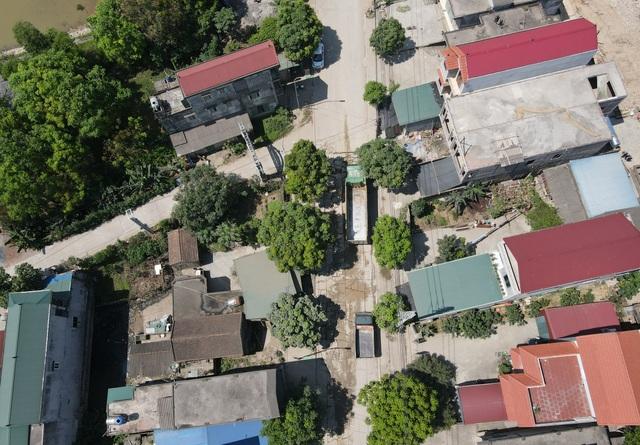 Kinh hãi đoạn đường bê tông vỡ vụn, tai nạn xảy ra như cơm bữa ở Hà Nội - 10