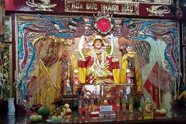 A unique temple worshiping Mrs. Hoa in the heart of Soc Trang city - 3