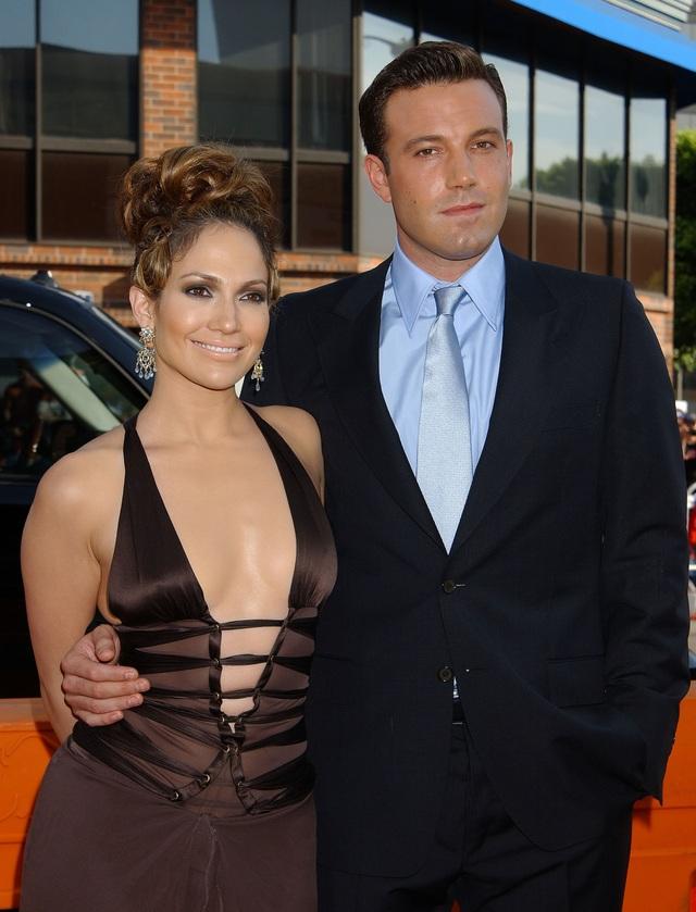 Alex Rodriguez nghĩ gì khi thấy Jennifer Lopez tái ngộ Ben Affleck? - 2