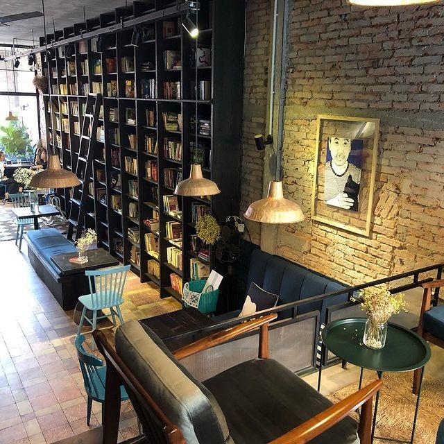 3 quán cà phê yên tĩnh, đẹp như thư viện thu nhỏ ở Sài Gòn - 4