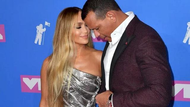 Alex Rodriguez nghĩ gì khi thấy Jennifer Lopez tái ngộ Ben Affleck? - 6