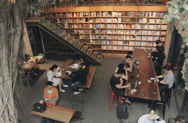 3 quán cà phê yên tĩnh, đẹp như thư viện thu nhỏ ở Sài Gòn - 6