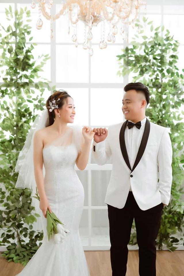 Cô gái hoãn cưới 3 lần, con 3 tháng vẫn chưa được làm cô dâu vì dịch Covid-19 - 1