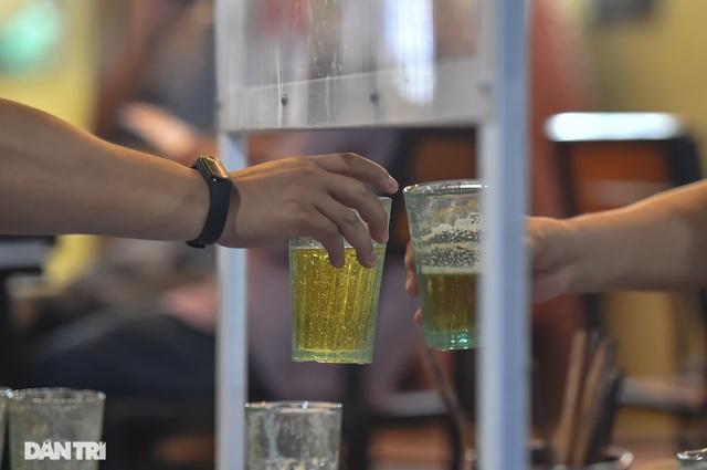 Hà Nội hỏa tốc dừng hoạt động các quán bia - 1