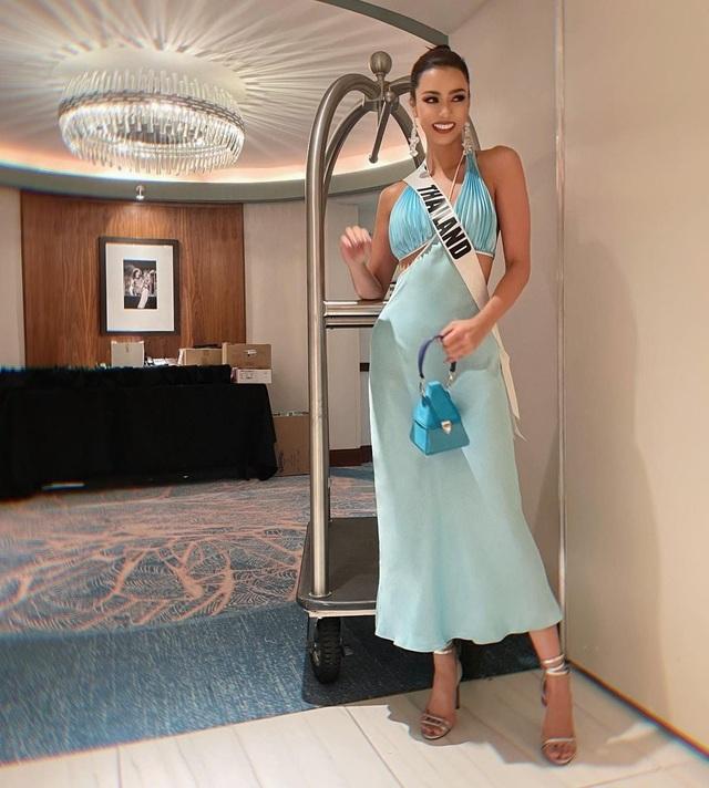 Khánh Vân ghi điểm khi giúp người đẹp Myanmar không may bị mất hành lý - 14