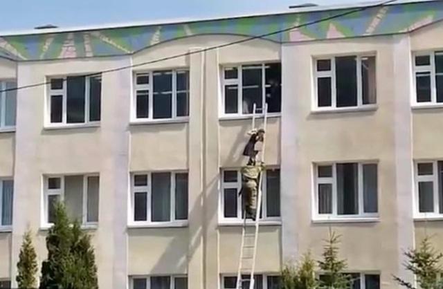 Xả súng kinh hoàng ở trường học Nga, ít nhất 11 người chết - 3