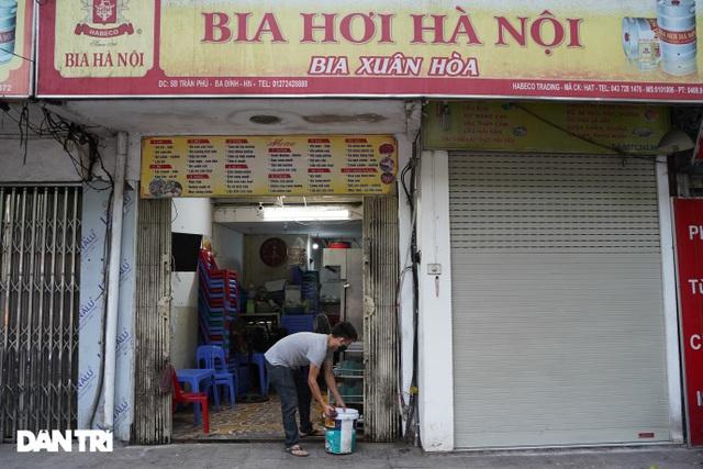 Hàng loạt quán bia ở Hà Nội gấp rút đóng cửa tạm thời vì dịch Covid-19 - 4