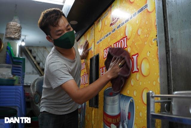Hàng loạt quán bia ở Hà Nội gấp rút đóng cửa tạm thời vì dịch Covid-19 - 5