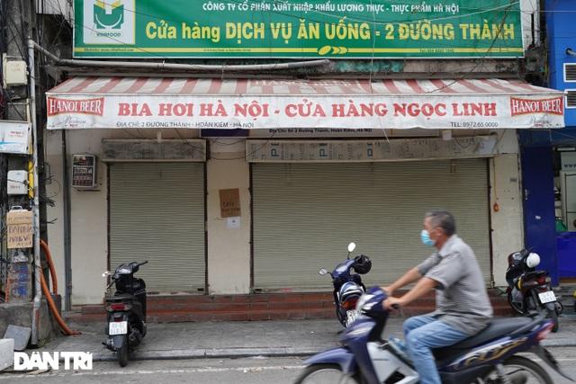 Hàng loạt quán bia ở Hà Nội gấp rút đóng cửa tạm thời vì dịch Covid-19 - 12