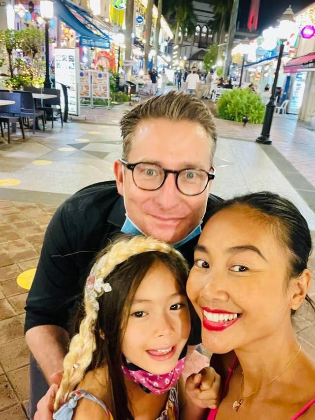 Rời Việt Nam sang Singapore định cư, cuộc sống của Đoan Trang ra sao? - 10