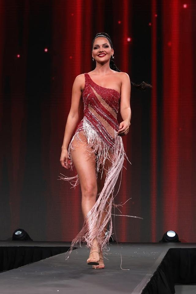 Gương mặt thiên thần và thân hình nóng bỏng của Hoa hậu Hoàn vũ Nam Phi - 19