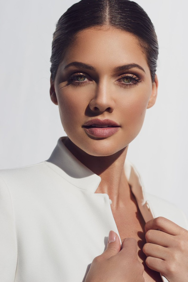 Gương mặt thiên thần và thân hình nóng bỏng của Hoa hậu Hoàn vũ Nam Phi - 16