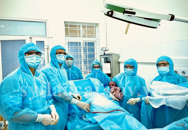 Lào Cai: Sản phụ F2 sinh con an toàn nặng 3,3 kg  - 2