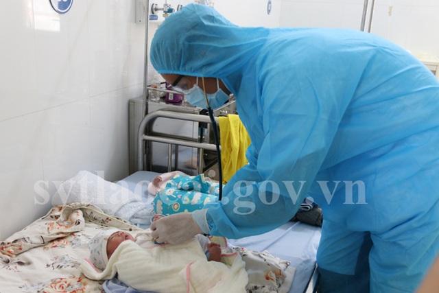 Lào Cai: Sản phụ F2 sinh con an toàn nặng 3,3 kg  - 1