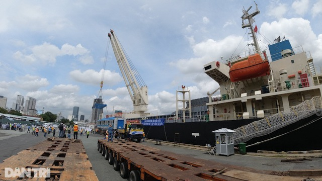 TPHCM cấm nhập cảnh tàu thuyền chưa ký cam kết phòng chống Covid-19 - 1