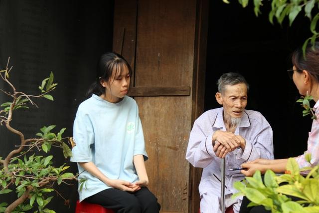 Hoàn cảnh éo le của cụ ông nuôi ba cháu mồ côi trong căn nhà xiêu vẹo - 4