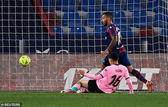 Messi ghi bàn, Barcelona vẫn hòa thất vọng và cơ hội vô địch mong manh - 2