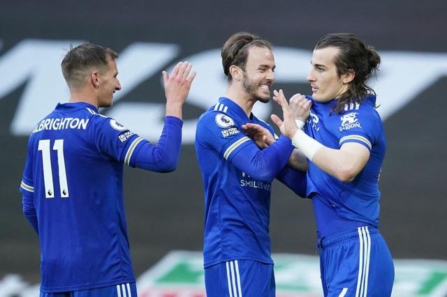 Man Utd 1-2 Leicester: Bầy cáo chiến thắng, Man City được hưởng lợi - 4
