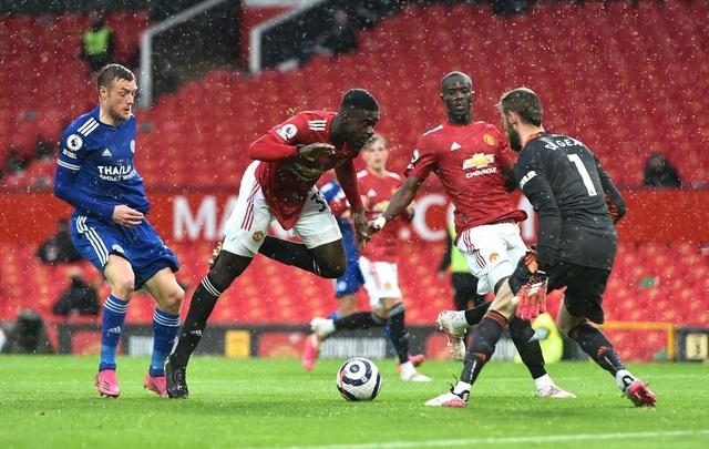Man Utd 1-2 Leicester: Bầy cáo chiến thắng, Man City được hưởng lợi - 3