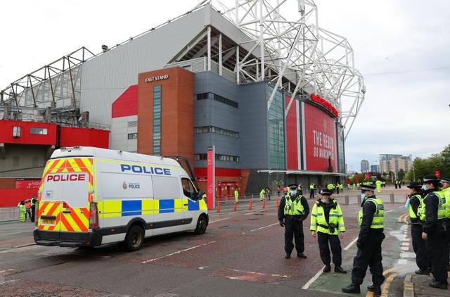 Trận thua của Man Utd khiến Man City vui mừng, Liverpool giận tím mặt - 1