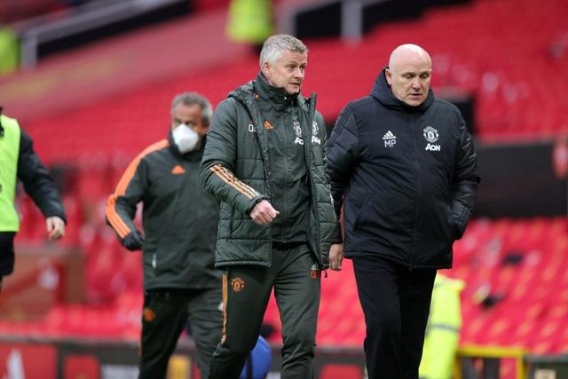 Trận thua của Man Utd khiến Man City vui mừng, Liverpool giận tím mặt - 12