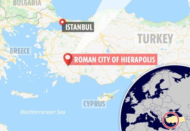Cổng địa ngục chết chóc từ thời La Mã cổ đại vẫn tồn tại cho đến ngày nay - 4